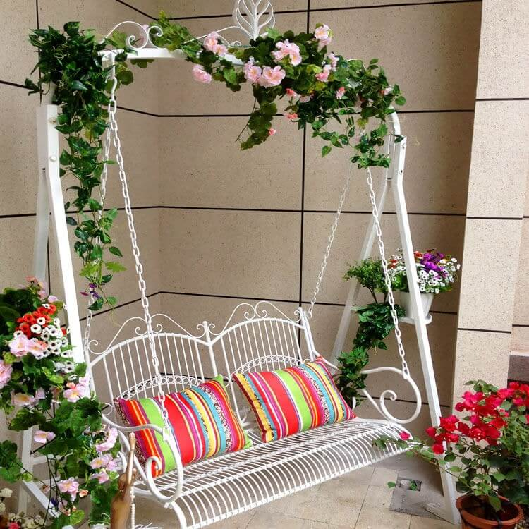 Decorate-swing-with-flowers